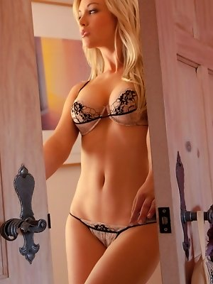 Kayden Kross shows off her...